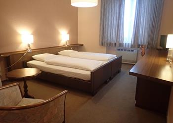 Large single room or large double room